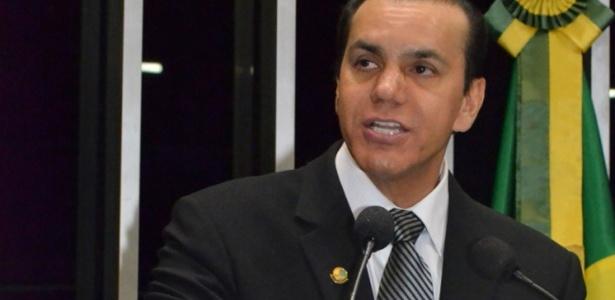 O senador Ataídes Oliveira (PSDB-TO) é o presidente da CPI
