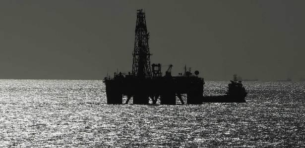 Plataforma marítima da Petrobras no Rio de Janeiro: sabendo usar, não vai faltar petróleo - Marcelo Sayao/Efe