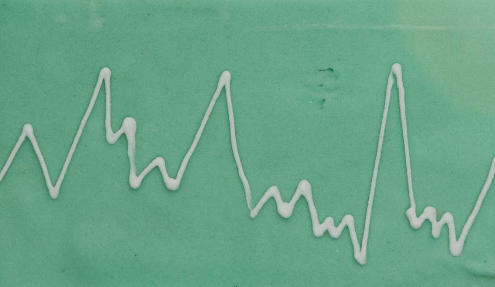 Bolo da Cakery traz formato de gráfico que pode servir para ilustrar matérias de economia