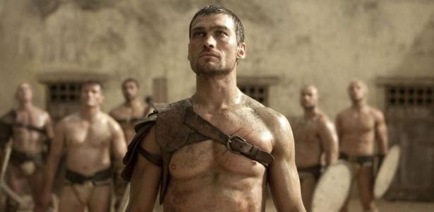 """O ator Andy Whitfield, em cena da série """"Spartacus"""""""
