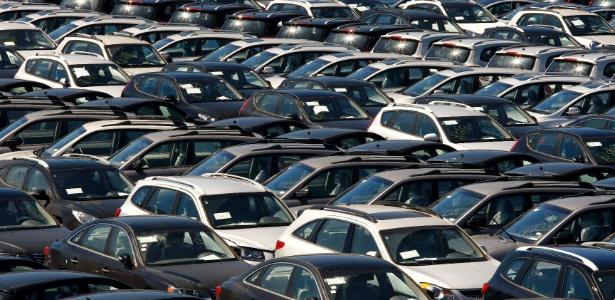 Vendas de carros e comerciais leves caíram em novembro; previsão do setor, no entanto, é de alta no ano - Moacyr Lopes Junior/Folhapress