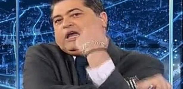 """Datena responde pedido de penhora e manda """"banana"""" para a Record"""