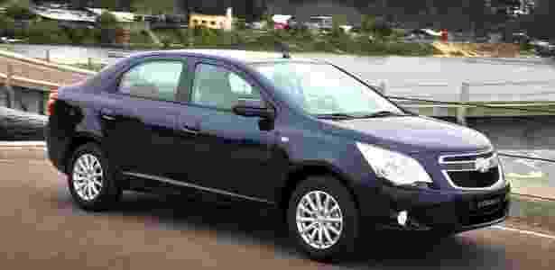 Cobalt concorre com Renault Logan e Nissan Versa, mas esses não aparecem no retrovisor - Divulgação