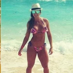 Ex-panicat Juju Salimeni curte férias em Cancun
