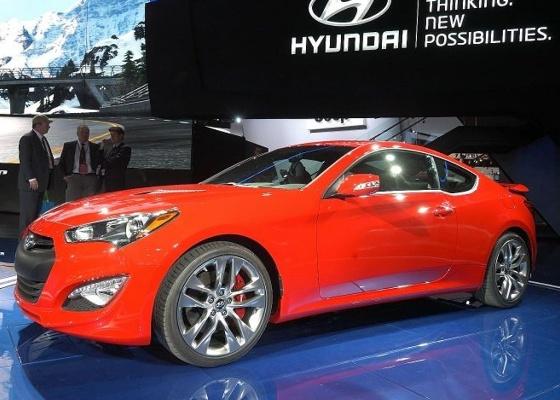 """O novo Genesis Coupé é exemplo do visual de """"escultura fluida"""" da Hyundai - Newspress"""