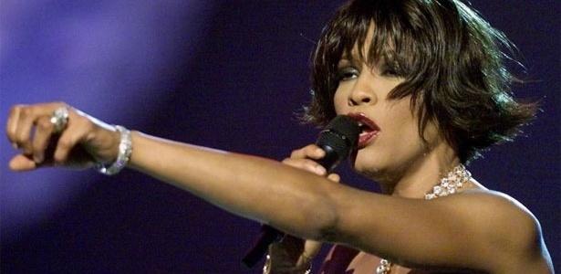 Apresentação de Whitney no Grammy Awards de 2000. Ao longo da carreira, ela conquistou seis estatuetas da premiação -