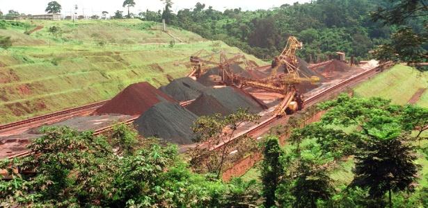 Extração de minério pela Vale do Rio Doce em Carajás, no Pará