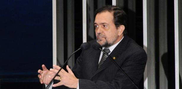 O senador baiano Walter Pinheiro pregará nova eleição