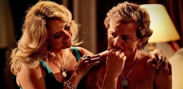 Max (Marcello Novaes) critica a aparência e o comportamento de Ivana (Letícia Isnard) frequentemente - TV Globo