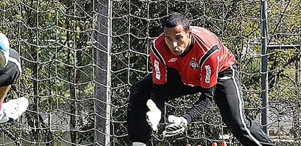 Rodolfo em treino pelo Atlético: jogador deve deixar o clube - Divulgação/Atlético-PR