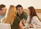 É tímido ou sem jeito para conversar? Estas dicas em vídeo podem ajudar - Getty Images