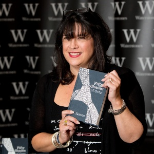 E. L. James, autora do best-seller 50 Tons de Cinza
