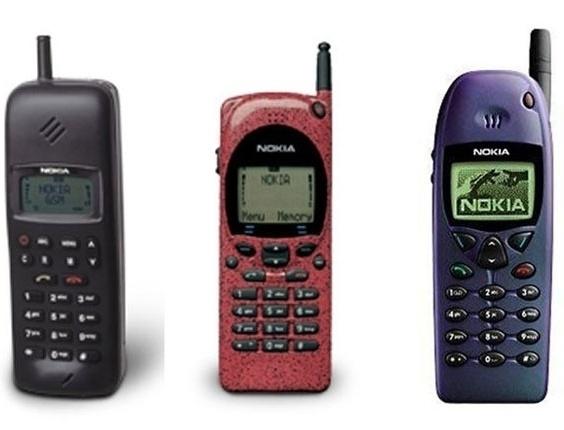 13.agosto.2012 - O site ''Ubergizmo'' publicou a foto de um telefone Nokia X2 que teria salvo um homem na Síria de ser atingido por uma bala. Segundo a publicação, o homem estaria filmando -- com o próprio celular -- um confronto entre rebeldes e militares quando seu aparelho foi atingido. O celular estava na direção da boca de seu dono, ainda de acordo com relatos obtidos pelo site