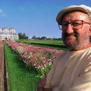 O professor e escritor Décio Pignatari no Jardim Botânico, em Curitiba (PR). Curitiba (PR), 21.01.2000 -  Rubens Thomé Speltz