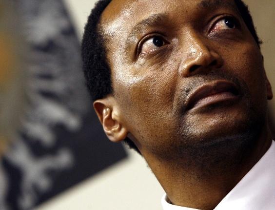 Bilionário sul-africano Patrice Motsepe anuncia que doará a metade da fortuna dele