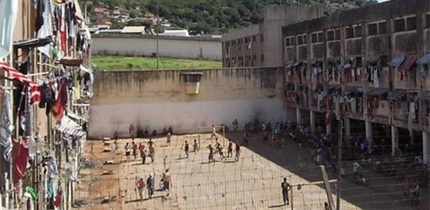 Presídio central de Porto Alegre é considerado um dos piores do país - Felipe Bächtold/Folhapress