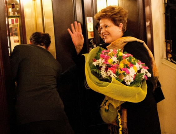 A presidente Dilma Rousseff chega no hotel Excelsior em Roma para participar na proxima terca-feira da primeira missa do Papa Francisco